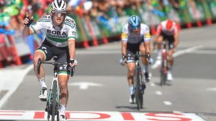 Ciclismo, Vuelta: Bennett domina la volata, Roglic ancora leader