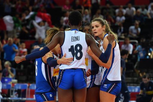 Alla fine hanno fatto la differenza troppi decisivi errori a catena. Il cammino Europeo delle ragazze terribili s'interrompe nella semifinale de...