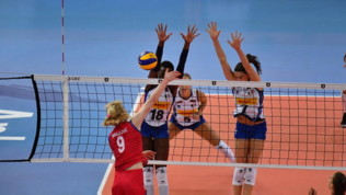 Volley, semifinali Europei femminili: Serbia-Italia 3-1