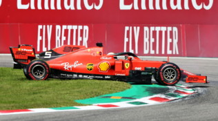 Vettel, errore all'Ascari e penalità