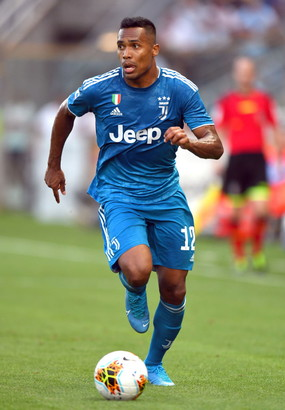 13. Alex Sandro (Juventus – 5 mln)