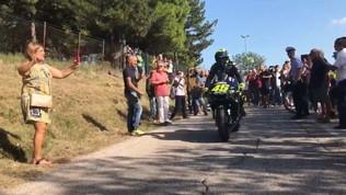 MotoGP, Rossi gira a Tavullia con la M1: le foto