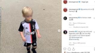 Il figlio di Gerrard indossa la divisa della Juve: siparietto social con i bianconeri