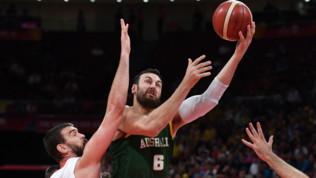 """Mondiali basket, dopo Australia-Spagna scoppia la polemica: """"La FIBA una disgrazia"""""""