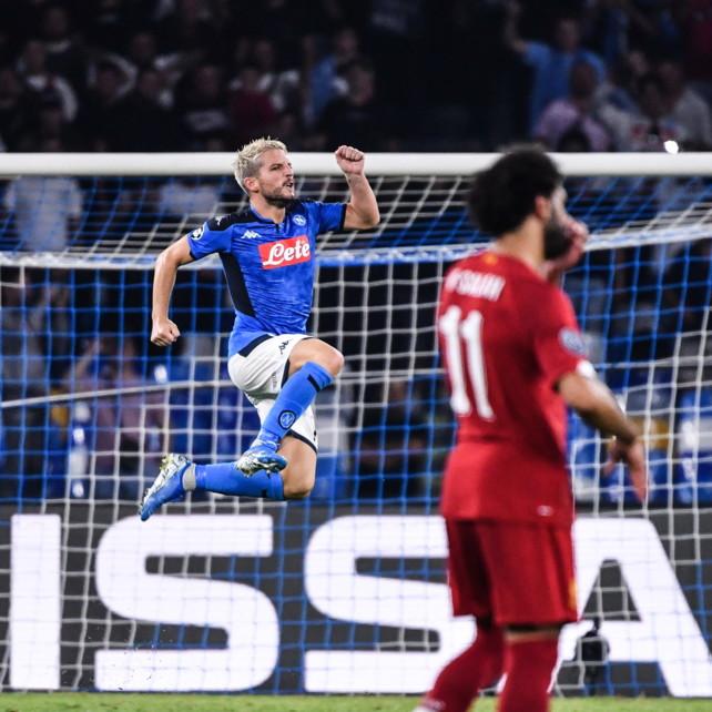 Il Napoli dà spettacolo: Mertens e Llorente piegano il Liverpool