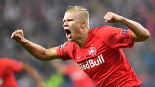 Champions, Haland tre gol all'esordio: Salisburgo si coccola il suo gigante di 19 anni