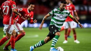Sporting Lisbona, furia Bruno Fernandes: dopo il rosso se la prende con... le porte