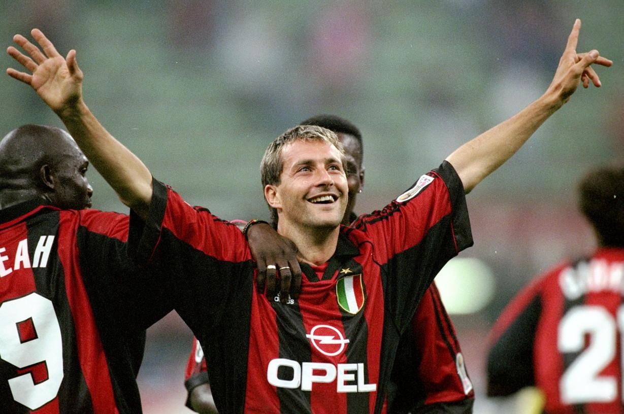 Trasferitosi al Milan nell'estate del 1997, ha contribuito a piegare la sua ex squadra segnando una rete nel derby del gennaio del 1998