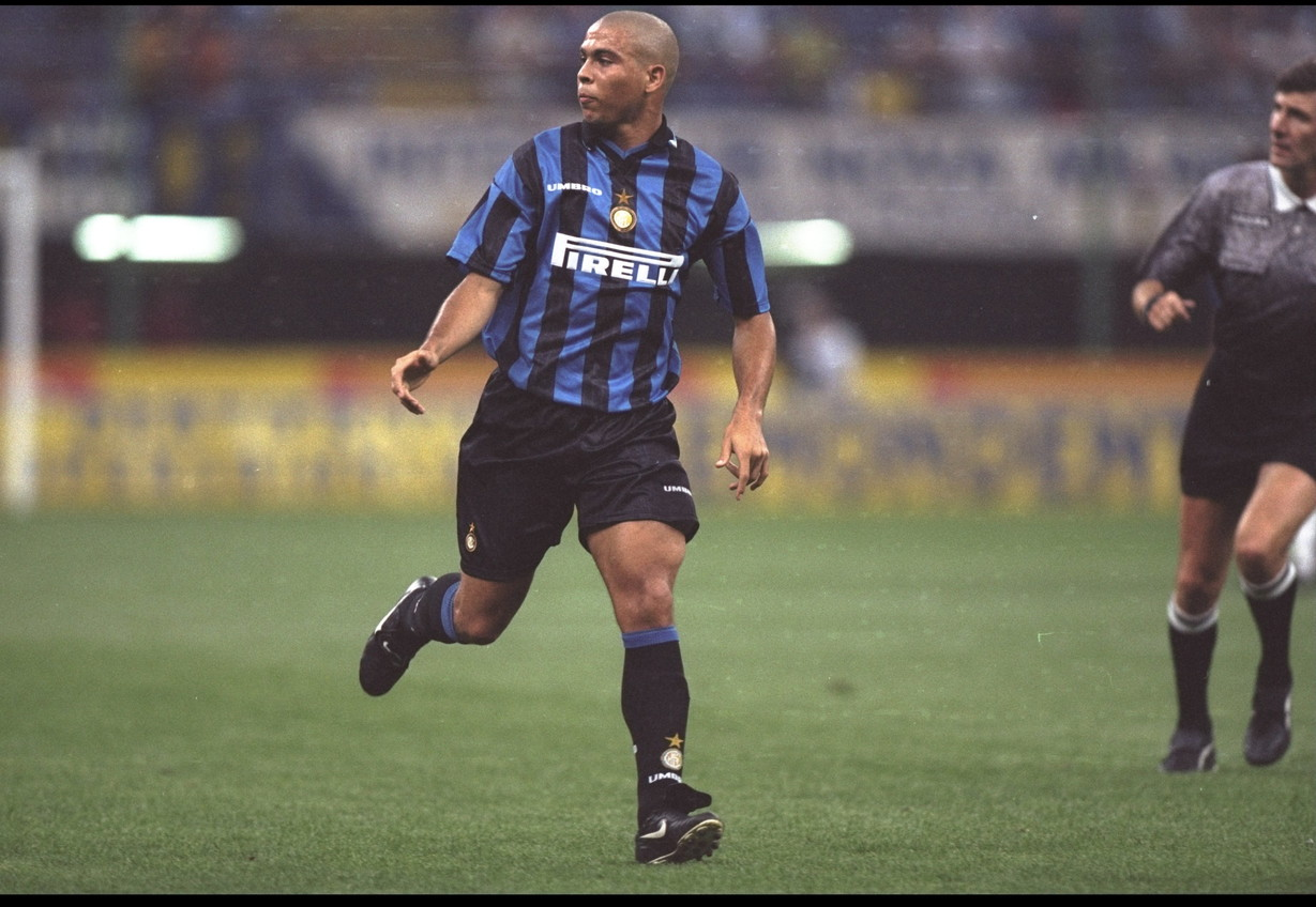 RONALDO - Il Fenomeno dal 1997 al 2002 ha segnato per 4 volte ai cugini rossoneri
