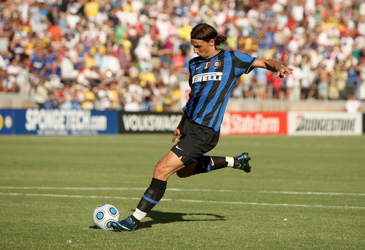 ZLATAN IBRAHIMOVIC - lo svedese ha segnato due gol nei derby nelle tre stagioni all'Inter