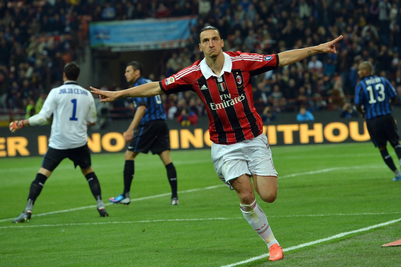 Tornato in Italia, ha indossato la maglia del Milan segnando due gol alla sua ex squadra