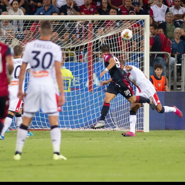 Serie A, Cagliari-Genoa 3-1: decisivo un autogol di Zapata