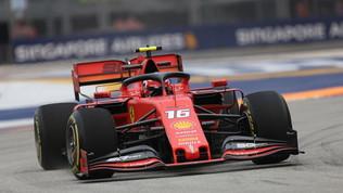 F1, lampo rosso a Singapore: terza pole di fila per Leclerc