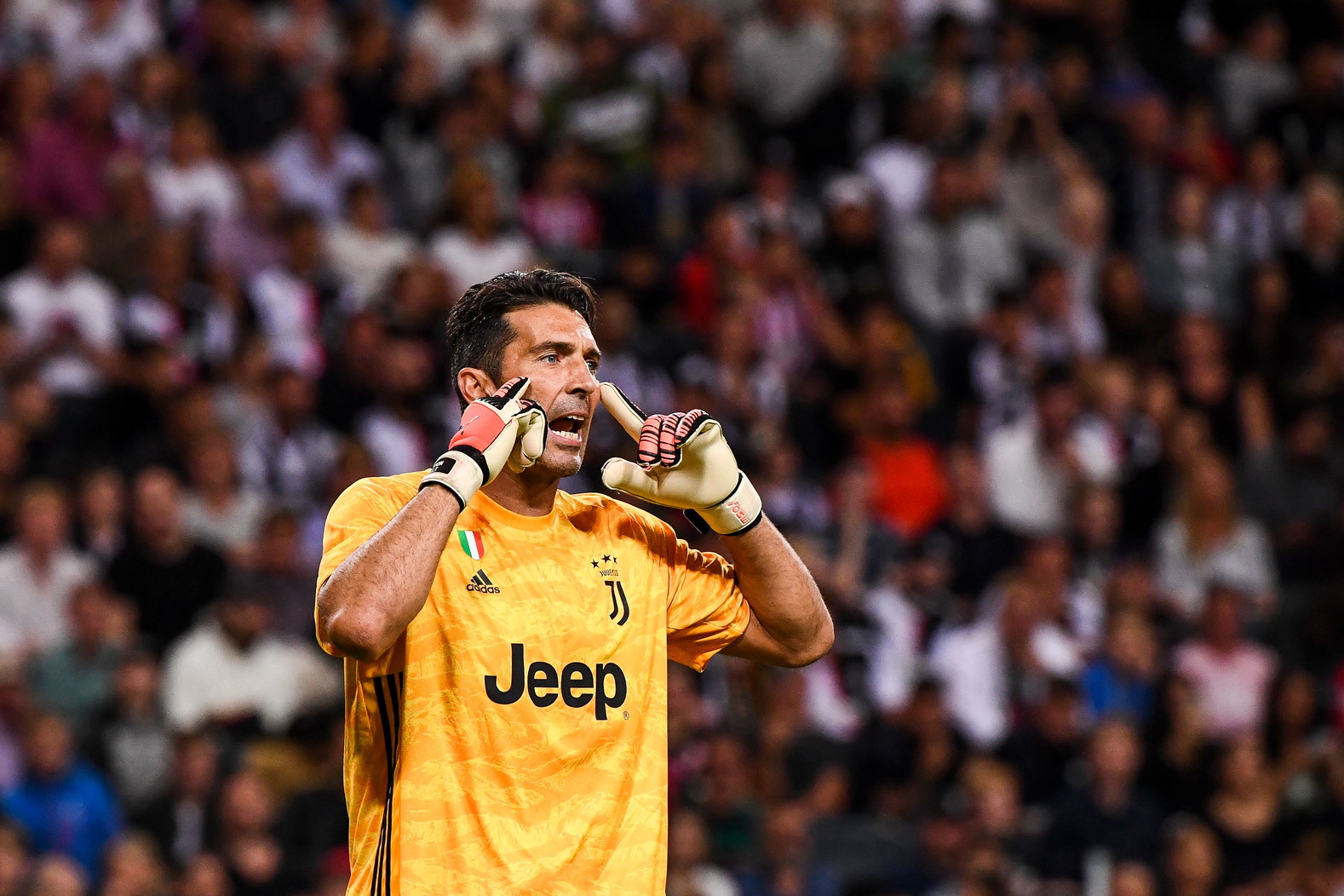 1. GIANLUIGI BUFFON - 902 presenze