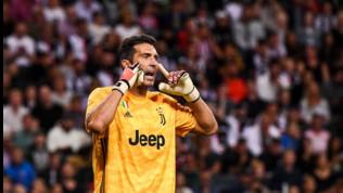 Juve, Buffon aggancia Maldini: 902 presenze con i club