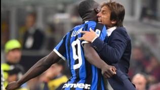 """Inter, Lukakue l'abbraccio con Conte: """"Mi aiuta e mi motiva, è l'allenatore che voglio"""""""
