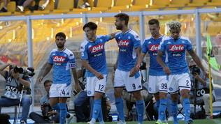 Super Llorentenel poker al Lecce: il Napoli risponde a Inter e Juve