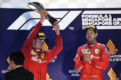 Il tedesco della Ferrari ha vinto il GP di Singapore davanti a Leclerc e Verstappen.