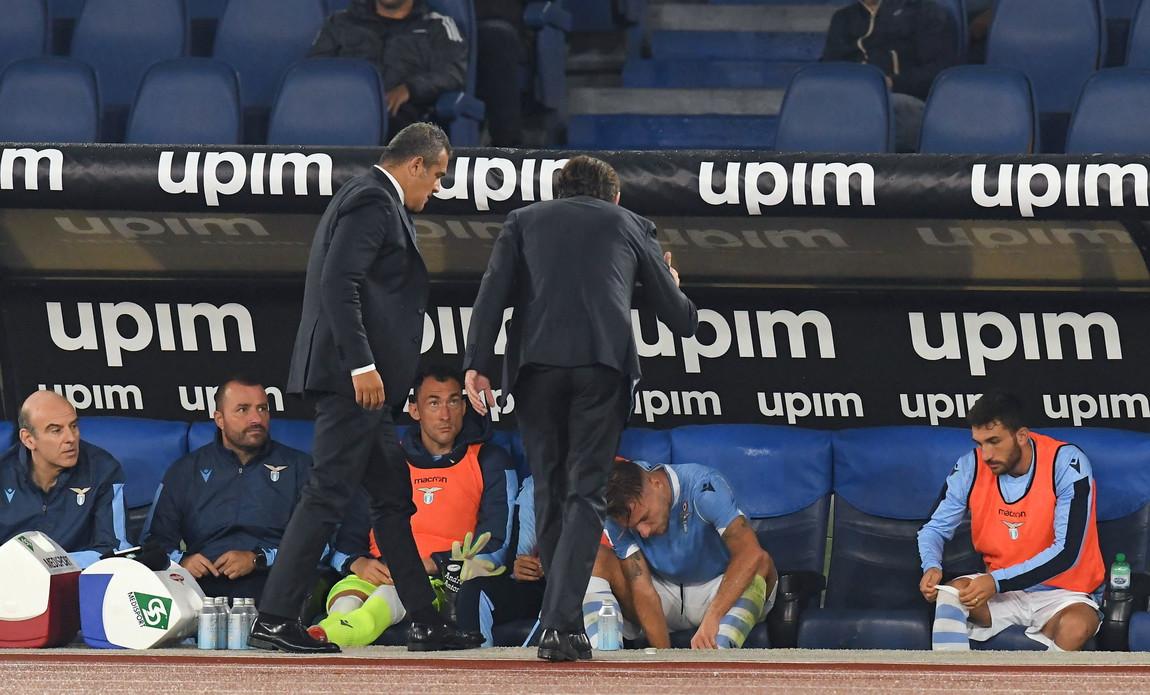 Lite a distanza tra Ciro Immobile e Simone Inzaghi al momento della sostituzione dell'attaccante azzurro con Caicedo, al minuto 18' della ripr...