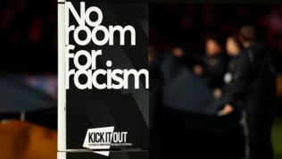 Uefa, pugno duro contro il razzismo:Romania, Ungheria e Slovacchia a porte chiuse
