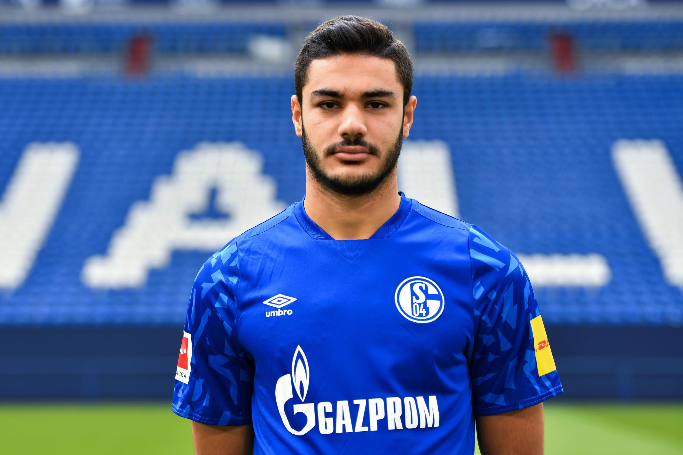 Ozan KABAK(Schalke 04, 25 marzo): difensore centrale turco, già vicino al Milan, poi venduto dallo Stoccarda allo Schalke. Dotato di grande fisico.
