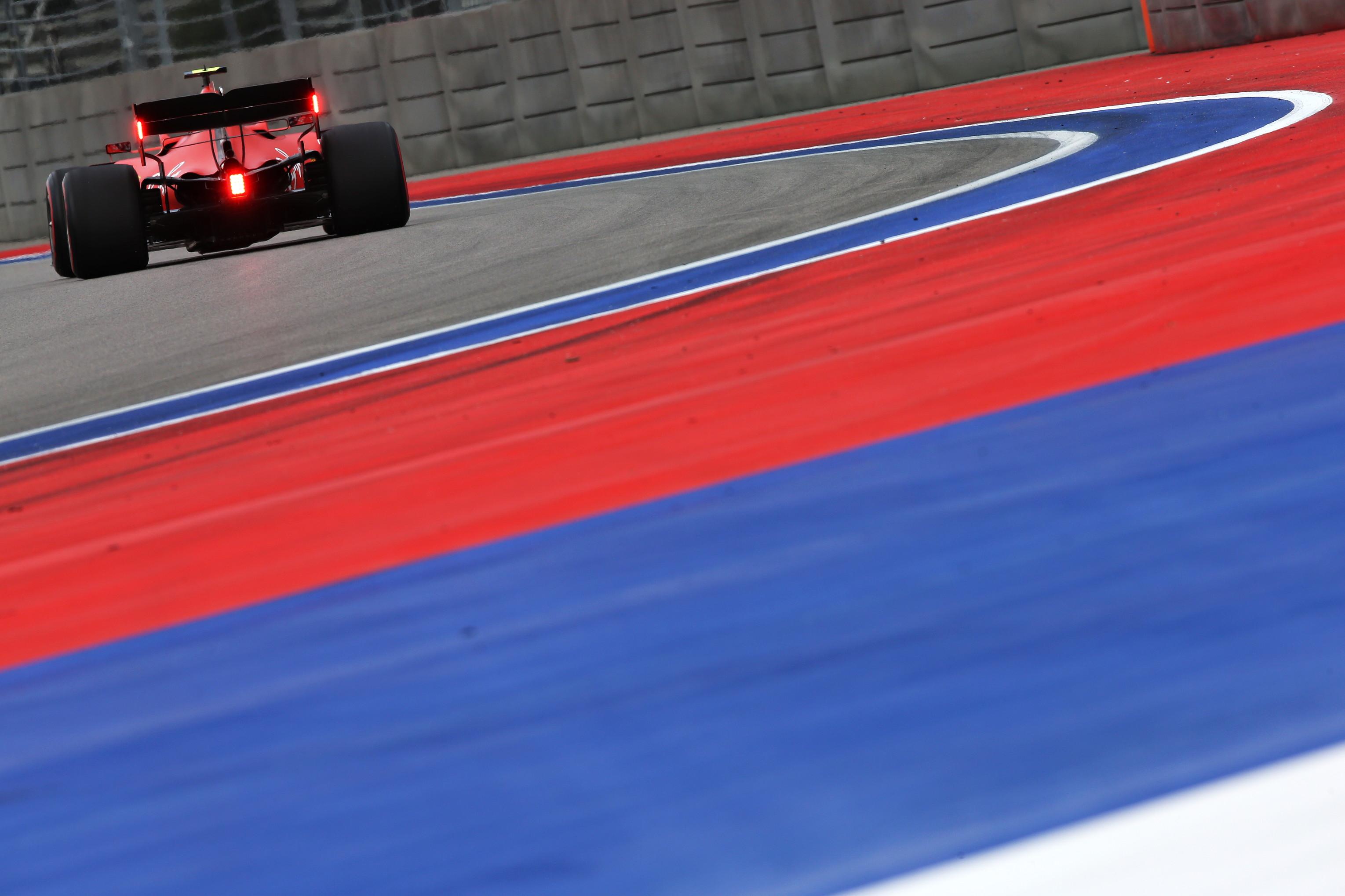 Quarta pole di fila per il monegasco a Sochi, a un pilota Ferrari non accadeva dai tempi di Schumacher<br /><br />