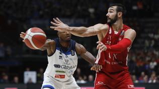 Basket, Serie A: Sassari vola, Milano cade al Forum contro Brescia, impresa Fortitudo
