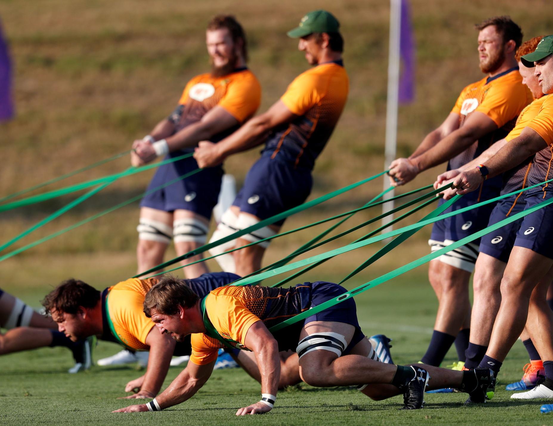 Il Sudafrica prepara il match di venerd&igrave; a Shizuoka. Gli&nbsp;Springboks affronteranno l&#39;Italia del rugby in un match decisivo per il passaggio ai playoff dei Mondiali in Giappone.&nbsp;<br /><br />