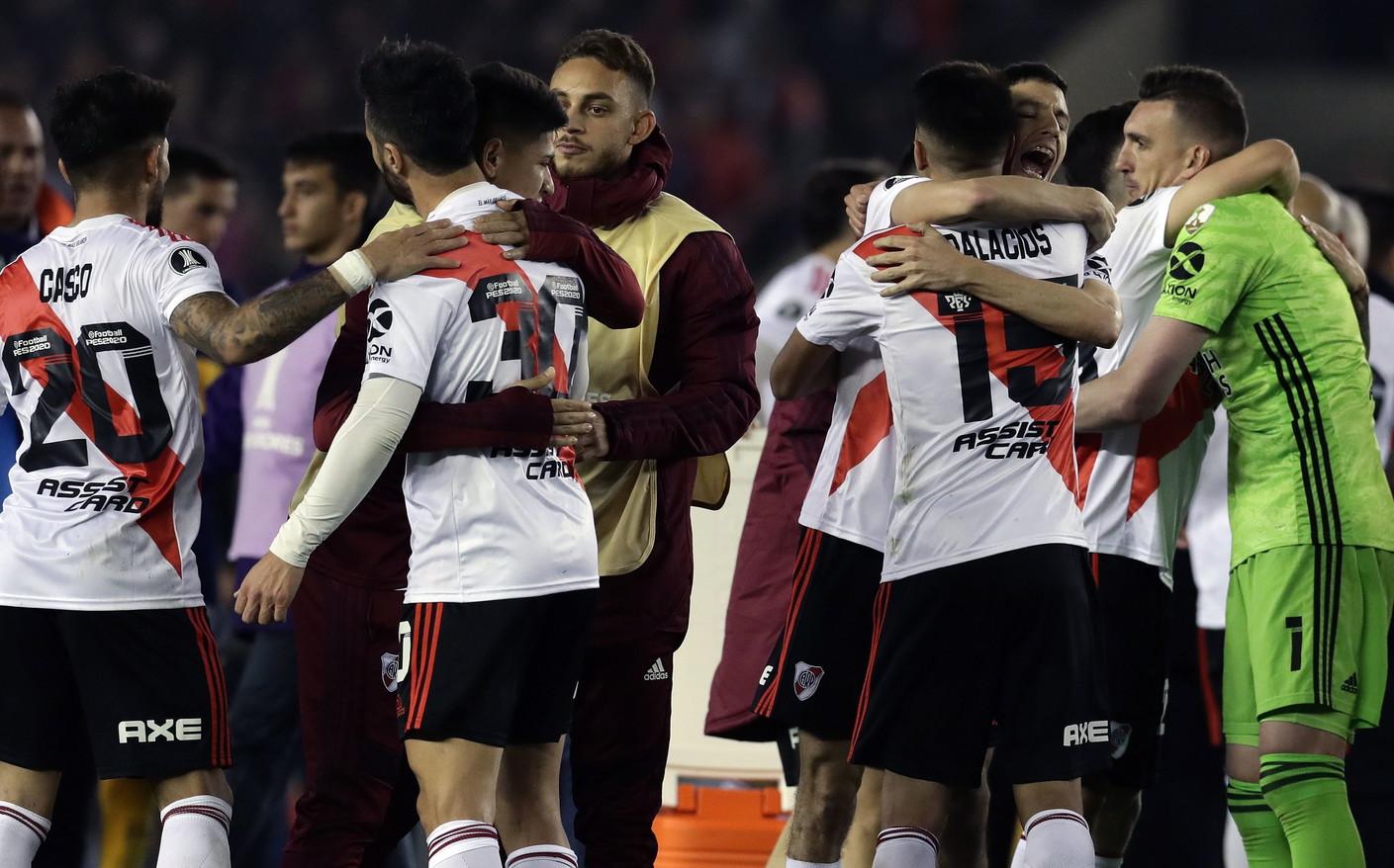 Il primo round del'Superclasico' di Coppa Libertadorestra River Plate e Boca Juniors vede trionfare il River per 2-0. A segno Borr...