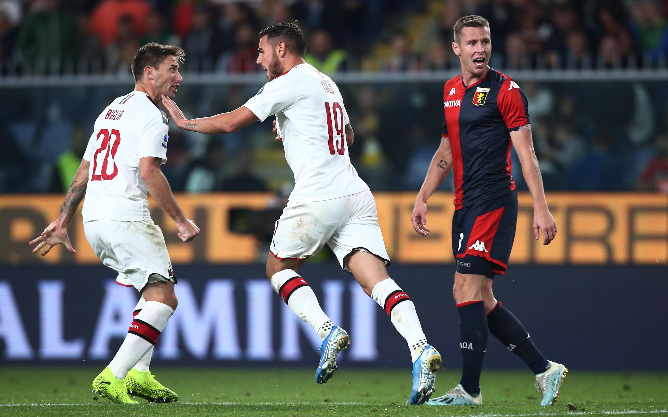 Le immagini più belle della sfida di Genova tra rossoblù e rossoneri