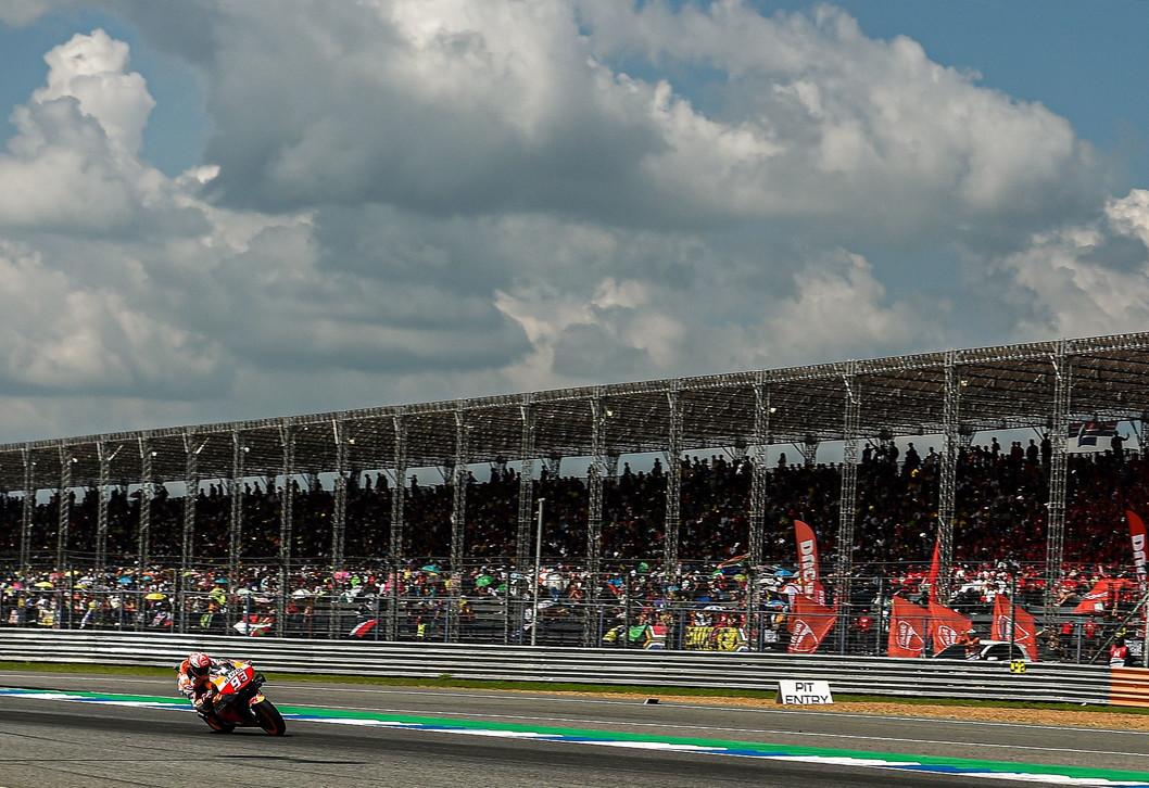 A Buriram lo spagnolo della Honda festeggia il suo ottavo titolo mondiale