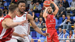 Basket, Serie A: Roll fa rialzare l'Olimpia, la Virtus Bologna è a punteggio pieno insieme a Sassari