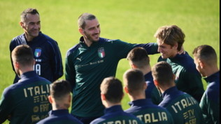 Nazionale, Azzurri a Coverciano: primo allenamento in maglia verde