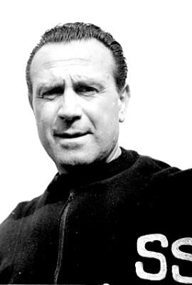 GIUSEPPE BIGOGNO - allena il Milan nel 1946/1947 e vi rimane per tre stagioni. Nel 1958/1959 siede sulla panchina dell'Inter ma sarà esonerato a metà stagione