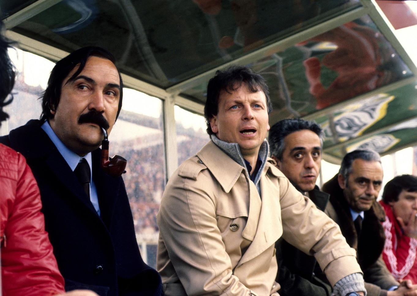 ILARIO CASTAGNER - allena il Milan in serie B. Accusato poi di tradimento per essersi già accordato con i cugini, passa sulla panchina dell'Inter nel 1984/1985