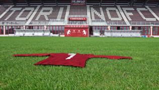 La maglia di Meroni indossata in Inter-Torino 1967 donata al Torino