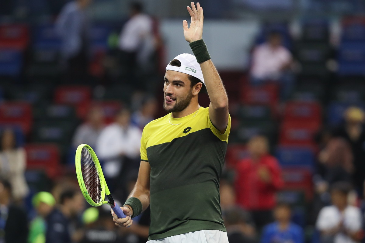 Continua la favola di Matteo Berettini altorneo di Shanghai, penultimo Masters 1000 della stagione tennistica. Il tennista azzurro ha sconfitto ...
