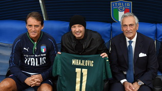 Sinisa Mihajlovic sulla panchina della Nazionale