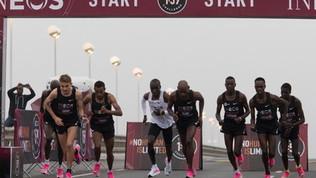 Kipchogeabbatte il Muro delle 2 ore in maratona: le foto dell'impresa