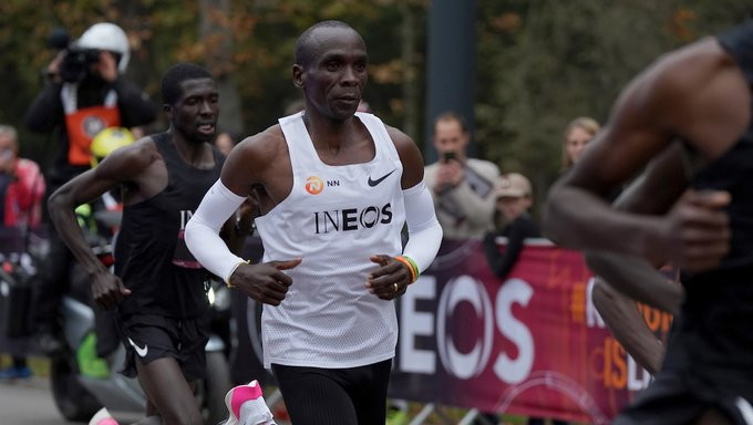 Impresa dell'atleta keniano al Prater di Vienna