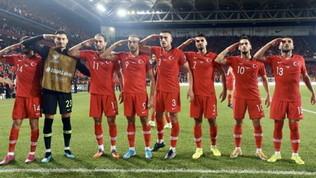 L'Uefa interviene suI saluto militare dei giocatori della Turchia