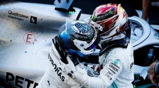 """F1 Giappone, i piloti Mercedes: """"Orgogliosi di questo team"""""""