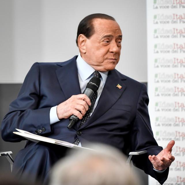 """Berlusconi a Gazidis: """"Milan vicino alla D? Frase da dire al cesso"""""""