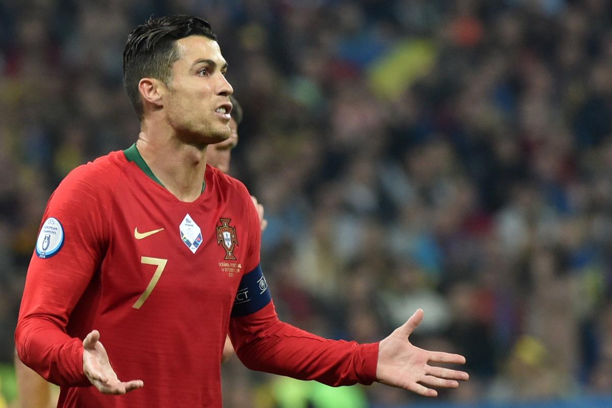 Contro l'Ucraina Cristiano Ronaldo ha realizzato il gol numero 700 in carriera, ma il Portogallo è stato battuto 2-1 e ora rischia la quali...