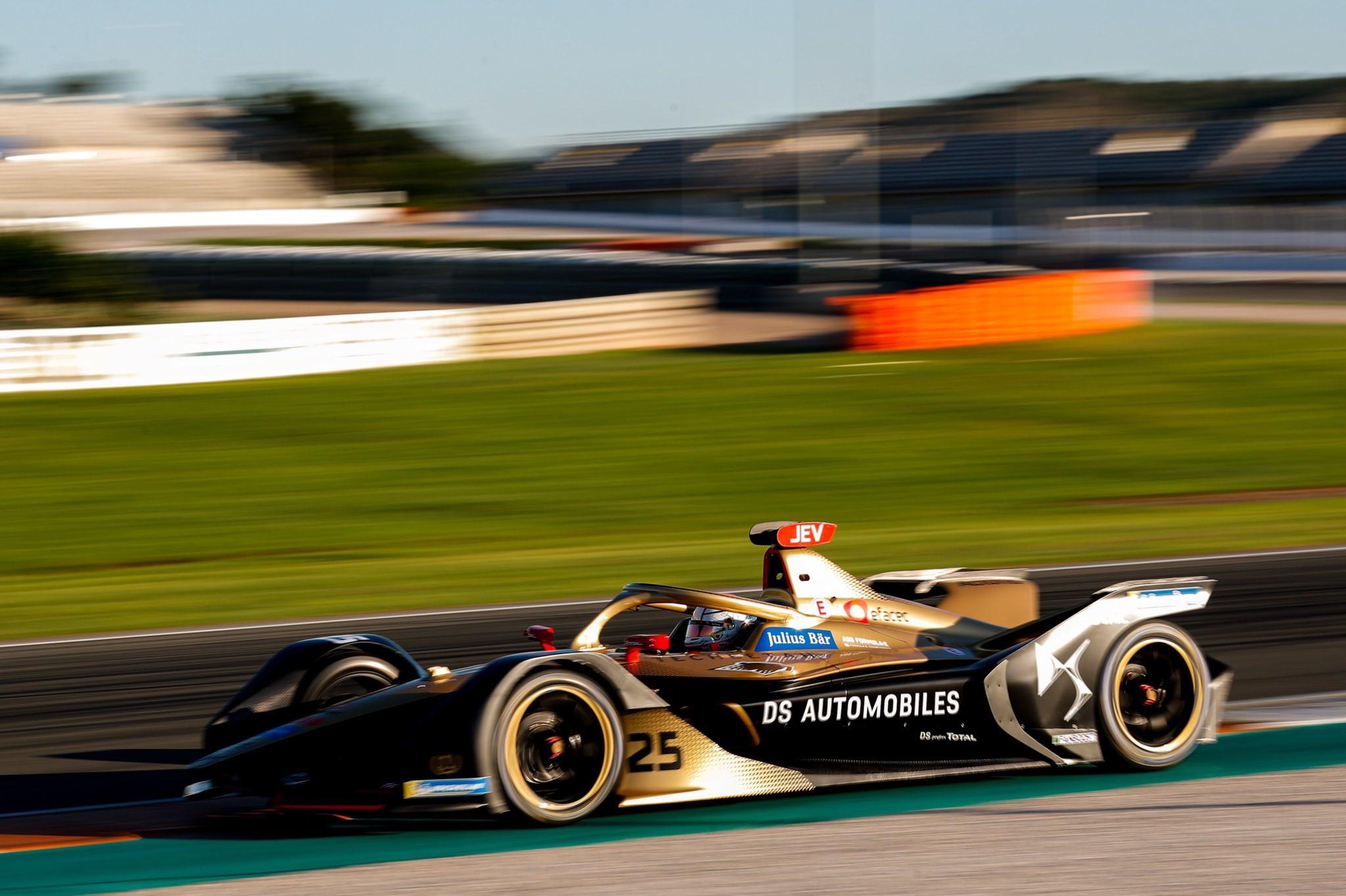 La sesta stagione di Formula E &egrave; partita con i tradizionali test pre-stagionali a Valencia (subito incidente per Calado): debuttano Porsche e Mercedes, &egrave; partita la caccia a Vergne che vince da due anni consecutivi il titolo.<br /><br />