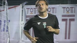 """Che spettacolo Totti: tripletta alla """"sua"""" Roma"""