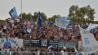 """""""Basta col razzismo"""": Pescara scarica tifoso su Twitter"""
