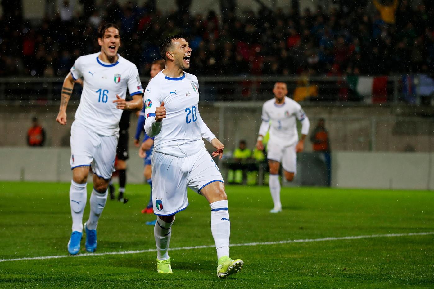 Nell'8a giornata di qualificazioni a Euro 2020, l'Italia batte 5-0 il Liechtenstein e conquista l'8a vittoria in altrettante gare. Dopo uno spavento firmato Salanovic, gli Azzurri sbloccano il match al 2' grazie a Bernardeschi. L'Italia rischia un po' troppo fino al raddoppio di Belotti (70'). Al 77' tris di Romagnoli, poi il poker di El Shaarawy (83'). Al 92' ancora Belotti. Mancini eguaglia il record di Pozzo (9 successi consecutivi).
