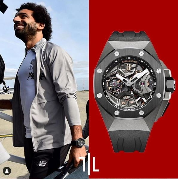 Mohamed Salah indossa un Audermars Piguet Royal Oak Concept Flying Tourbillon GMT.  Valore di mercato : 170mila euro.