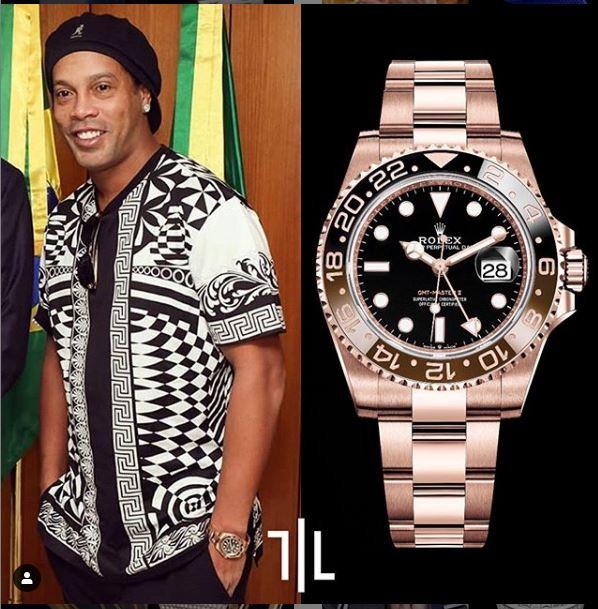 """Ronaldinho indossa un GMT-Master II """"Rootbeer"""" in oro rosa.  Valore di mercato : 37mila euro."""
